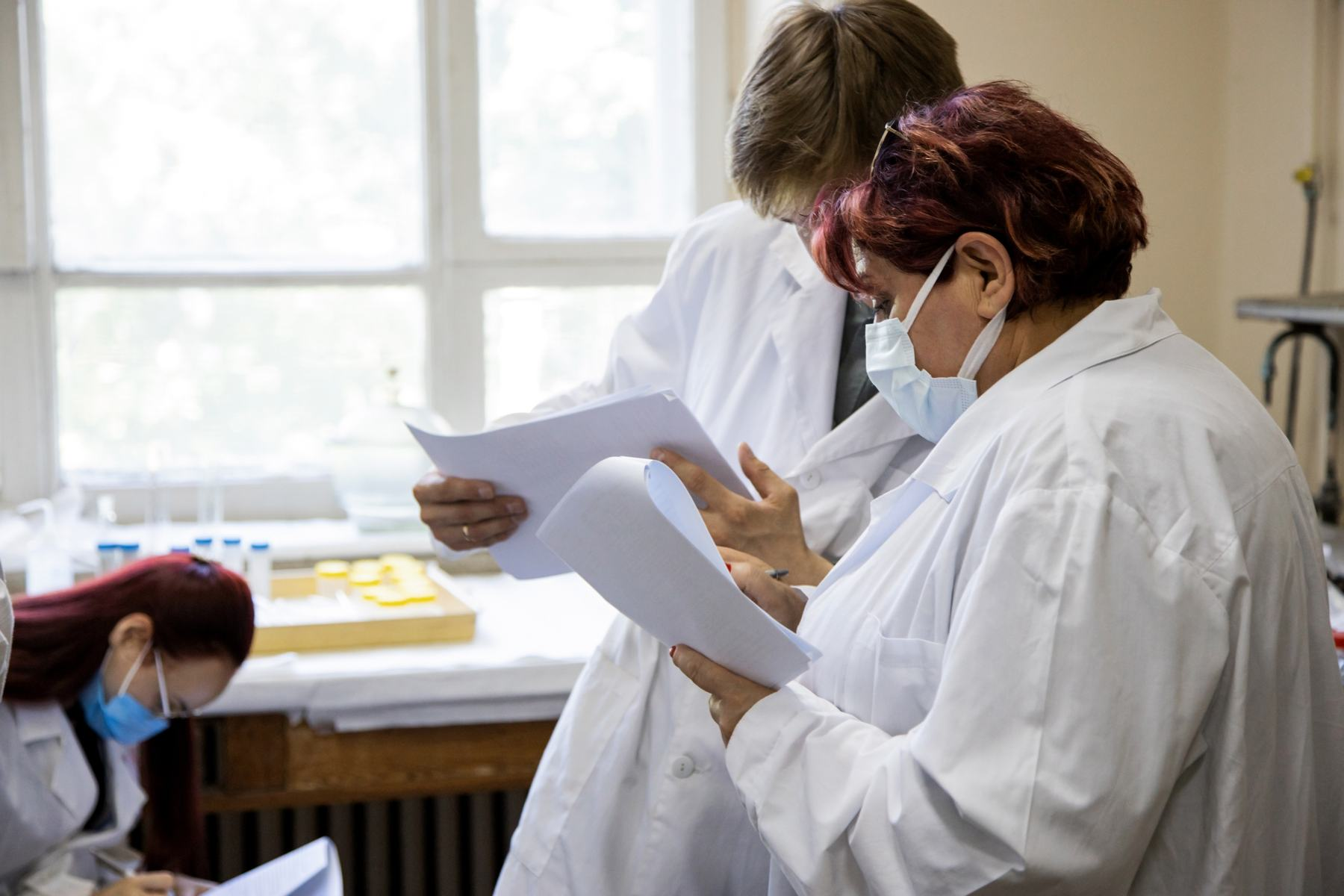 Иностранные преподаватели и аспиранты прошли обучение в области обращения с радиоактивными отходами в рамках Международной школы МГУ