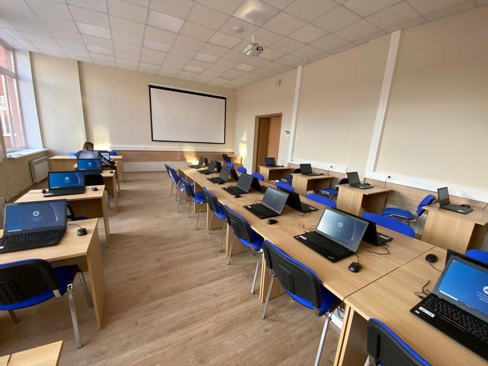 Компьютерный класс малый